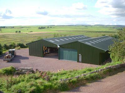 Μπορούν να εγκαθίστανται αγροτικές αποθήκες εντός των ορίων των μικρών οικισμών;